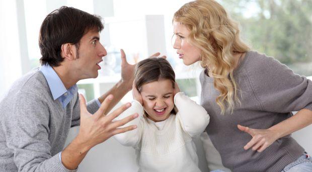 Це колись можна було поставити дитину в кут, відлупити її по попі чи привселюдно назвати нездарою, сьогодні за таке можна втратити дитину, адже її у б