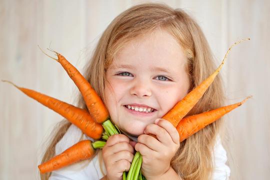 Для того, щоби малюк був всебічно розвинутою дитиною, радимо в раціон вводити продукти харчування, які благотворно впливають на функції мозку.