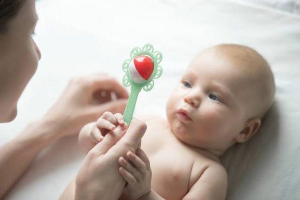 Слух дуже важливий для повноцінного розвитку дитини. Цей орган почуттів дозволяє активно пізнавати світ, а також за рахунок слуху формується мова. Важ