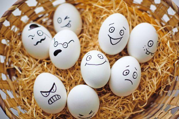 Чи можна дитині вживати сирі яйця і як вони впливають на організм - читайте у матеріалі.