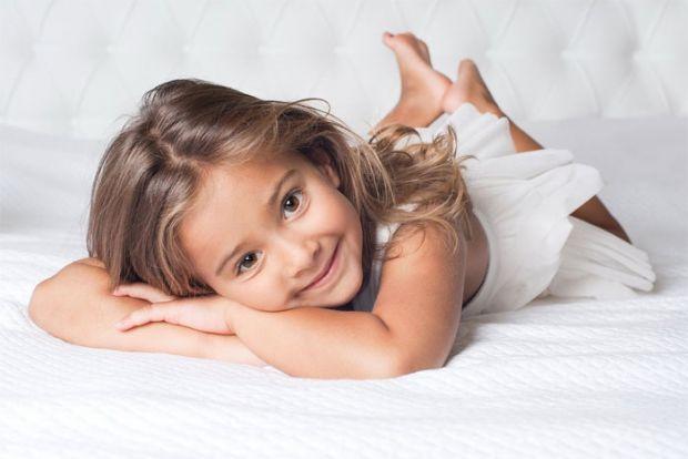 Любіть дитину просто тому, що вона є. Не за успіхи і досягнення, не за те, що вона гарна або розумна. А тому, що він існує в цьому світі, в цій сім'ї,