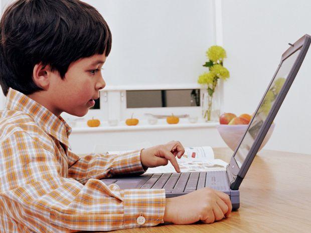 Вчені з Окленду дійшли до висновку, що для того, аби схуднути, краще працювати за комп'ютером стоячи.