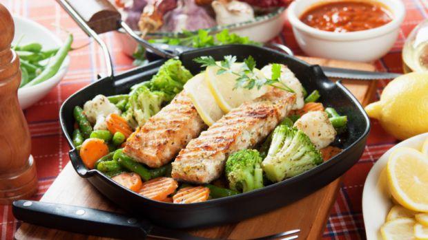 Раціон, багатий рибою і морепродуктами, вважається надзвичайно корисним для людей похилого віку. Щоб реально оцінити ефект, вироблений раціоном на ста