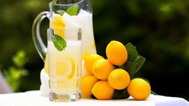 Солодкий лимонад може стати альтернативою тютюнового пластиру для тих, хто намагається розлучитися з сигаретою.
