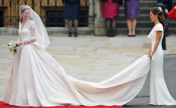 Представляємо вашій увазі найдорожчі весільні сукні 3-х знаменитостей.
