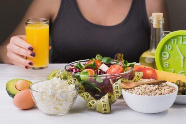 Зараз популярними є  «чудодійні дієти», які обіцяють швидке і легке схуднення, але як це позначається на здоров'ї - читайте далі.