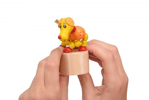 Хорошим вибором стануть жовто-червоні іграшки для маленьких дітей, чому - читайте далі.
