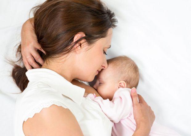 Розглянемо список основних вітамінів і мінералів, необхідних жінці в період годування грудьми.