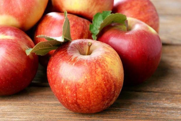 Науковці з Університету Флориди провели дослідження і встановили користь яблук для жіночого організму.