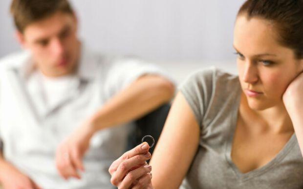 Шлюб ґрунтується на вільній згоді жінки та чоловіка.Є наступні варіанти розірвання шлюбу:• За згодою дружини і чоловіка через органи РАЦСу;• В судовом