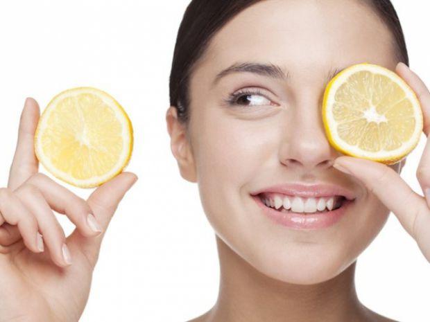 До складу цих смачних цитрусових фруктів входять незамінні поживні речовини, які стимулюють процес вироблення колагену і еластину. Саме тому косметоло