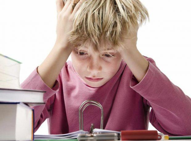 Процес навчання з кожним роком стає все більш трудомістким і складним, і у школяра в якийсь період може статися криза. Причини можуть бути різні - ком