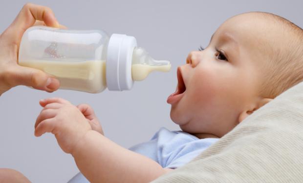 Відразу після народження малюка подбайте про те, щоб ваше харчування було раціональним. Намагайтеся не переїдати, і в той же час харчуватися різномані