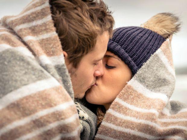 У стосунках люди разом розділяють не лише щасливі моменти, а й випробування, які приносить життя. Та які стадії здолають тільки міцні пари?