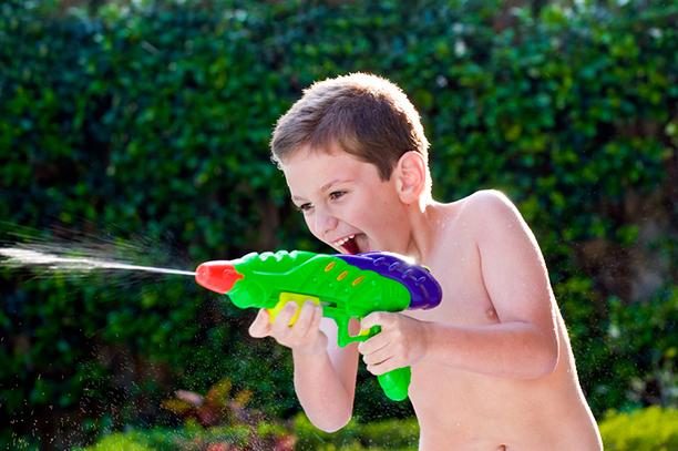 Саме ці веселі речі з дитинства не варто забороняти малюку. Повідомляє сайт Наша мама.