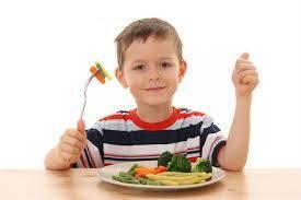 Як же буває важко, особливо з ранку, нагодувати дитинку. Таке знайоме багатьом мамам. Тому винахідливі господині придумали прикрашати дитячі страви.Хо
