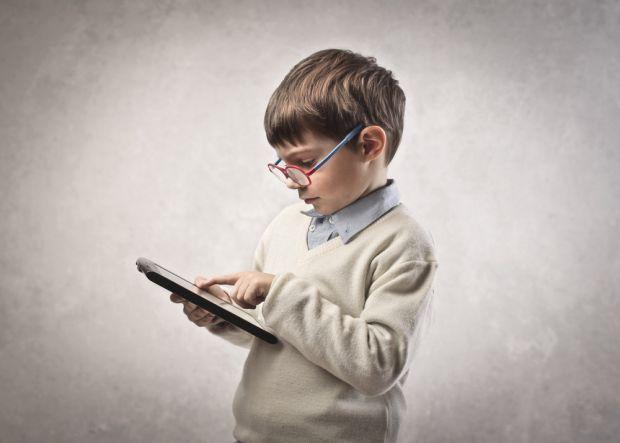 Сучасні діти не можуть не користуватися гаджетами. Так склалось сьогодні життя. Але. Скільки часу дозволяється проводити дитині в компанії гаджетів?
