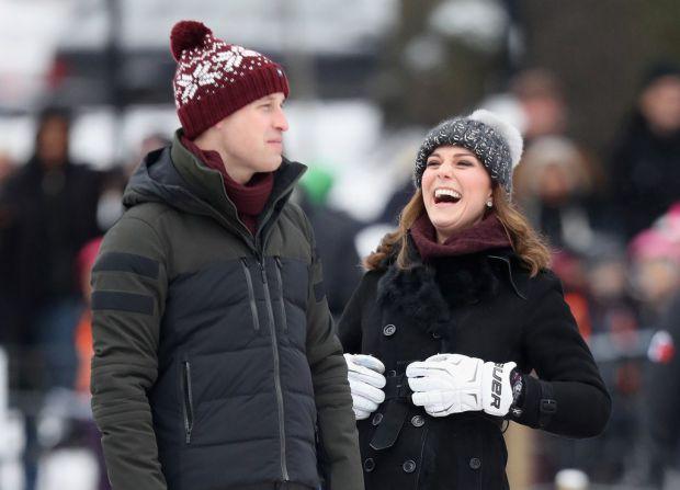 З дня на день британці очікують появи на світ третього малюка в сімействі Кембриджів. І поки герцогиня перекочується з вагітним животиком по палацу, п