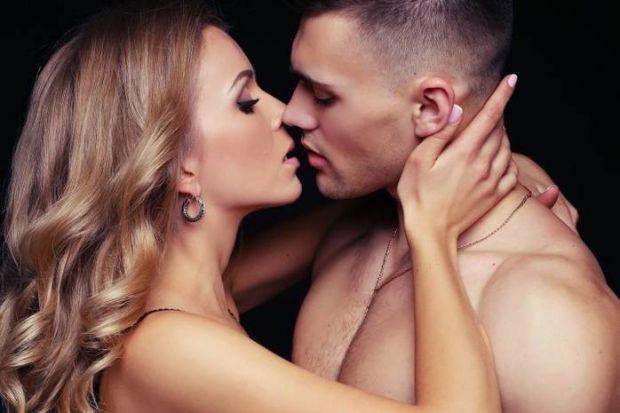 А вам відомо, що середньостатистичний європеєць цілується за день 7 разів? Перший поцілунок у більшості трапляється в 14 років, а жінка до заміжжя в с