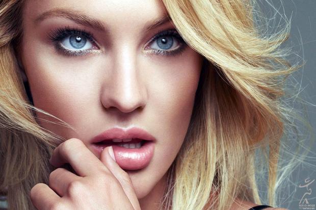 Ми виділили кілька простих кроків, які допоможуть збільшити губи за допомогою макіяжу. Повідомляє сайт Наша мама.