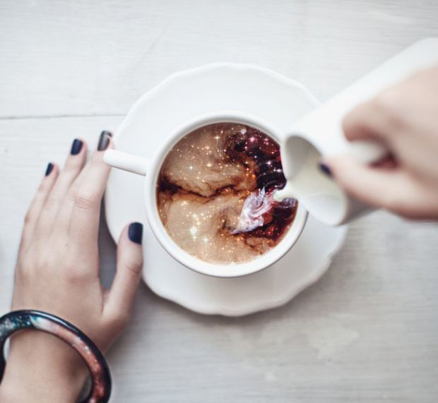 Дієтологи виступили з думкою про те, що поєднання компонентів, присутніх в складі кави і молока, може виявитися надто складною для травлення комбінаці