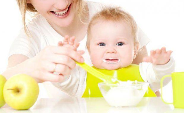З якого віку найкраще починати прикорм і які продукти вибрати для того, щоб не нашкодити організму дитини? Про прикорм розповідає доктор Комаровський.