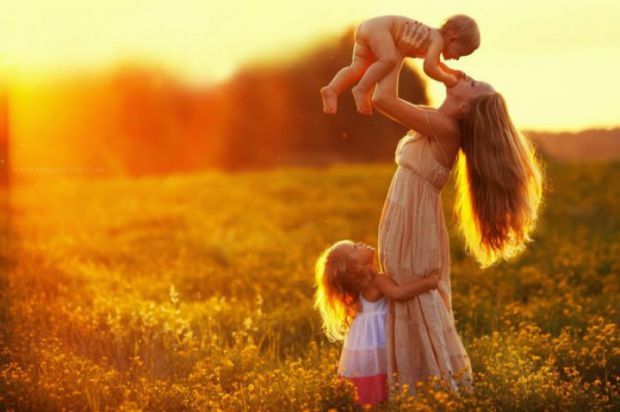 Типів мам є безліч, але сьогодні ми вам розповімо про зразкову маму.