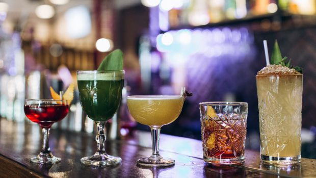 Навіть невелика кількість алкоголю, підвищує онкологічний ризик - у споживаючих спиртне людей вище ймовірність появи відразу декількох видів раку.