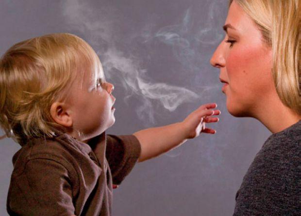 Наукові співробітники провели дослідження і дізналися, як маленькі дітки реагують на тютюновий дим.