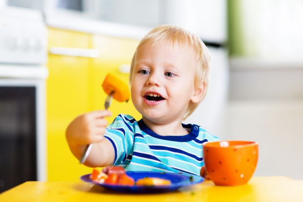 Привчайте дітей правильного харчування змалку!
