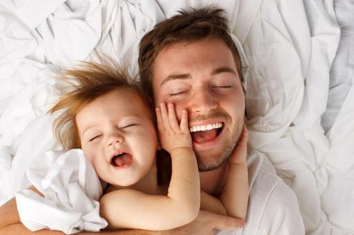 Ми часто кажемо про проблеми, з якими зіштовхуються матері при вихованні дітей. Але давайте не забувати про ту найважливішу роль, яку відіграють батьк