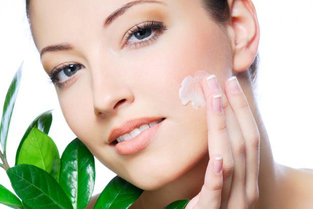Як уникнути волохатості?Наразі медики не встановили причин появи волосся на обличчі жінок, хоча пов'язують це явище із чоловічими гормонами в організм