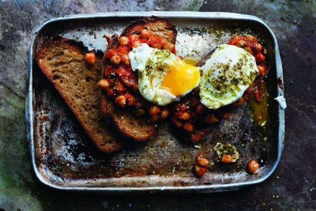 Немає кращого сніданку для чоловіка, ніж яєчня з трьох яєць - запевняють вчені з США. Така страва допоможе швидко насититися, а також після неї в обід