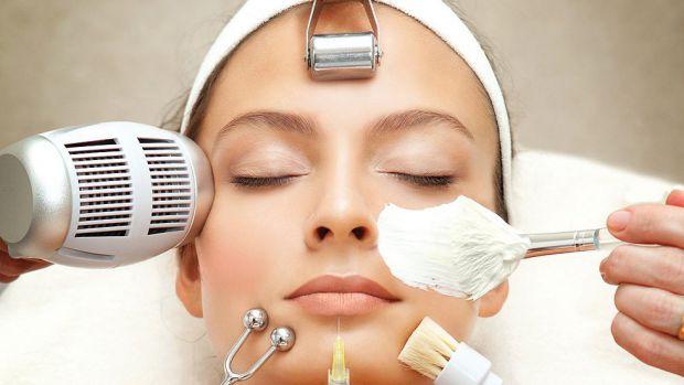 Бросаж, або брашінг, - це спосіб механічного очищення обличчя за допомогою спеціальної щітки.