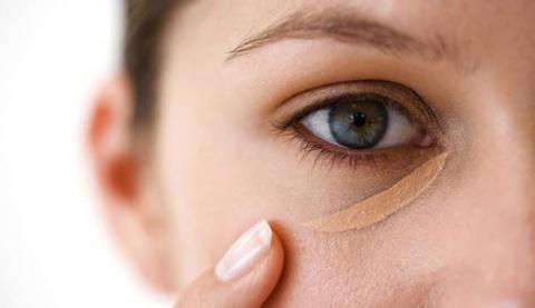 Спочатку ми думали, що темні кола під очима - це результат втоми і безсонних очей. Але не все так просто. Виявляжться, вони можуть бути ознакою захвор