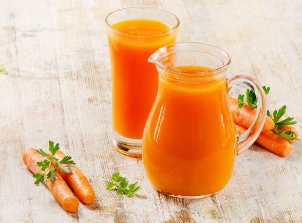 Морквяний сік по праву вважається справжнім натуральним еліксиром, який сприяє підвищенню життєвого тонусу та імунітету.