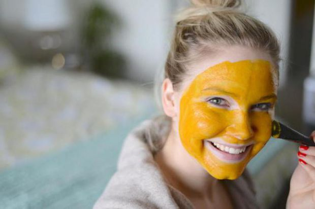 Ця маска чудово підходить для зволоження шкіри. Вона містить корисні антиоксиданти і жирні кислоти.