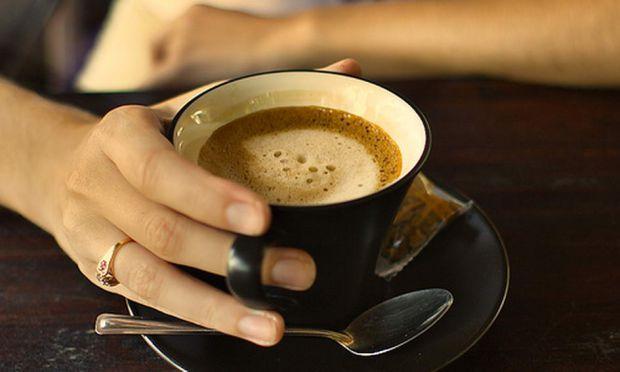 Якщо з нового року ви хочете повністю виключити з раціону каву, то це непогане рішення. Надлишок кофеїну шкідливий для здоров'я, але повна відмова від