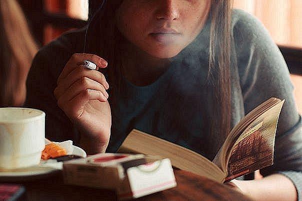 Дослідники прийшли до висновку, що у представників сильної статі швидше виробляється нікотинова залежність, і курять вони саме для того, щоб отримати