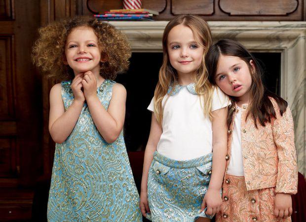Хочете, щоб ваша дитина виглядала стильно, тоді вам варто знати, яка мода очікує на дітей цього року. Будьте в тренді зі своїми малюками!