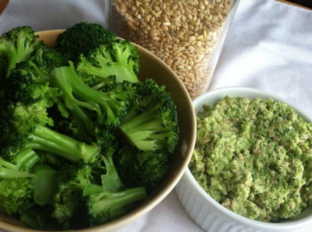 За словами вчених, авокадо, мигдаль і броколі не можна вважати вегетаріанськими продуктами.