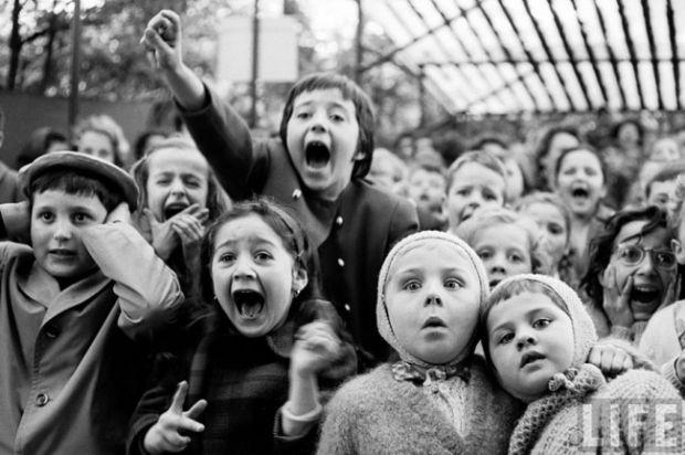 Не даремно кажуть, що дитячі емоції - справжні емоції. Адже дітям не властиво їх приховувати.Історії цих фотографій самі по собі залишають приємний сл