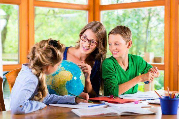 Чи допоможе дітям домашнє навчання? Чи отримають вони відповідні знання від такого навчання? У матеріалі ми розповімо про переваги і недоліки незвичай