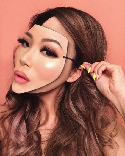 Художниця і візажистка з Ванкувера - Мімі Чой. Вона створює складні, сюрреалістичні макіяжі, її надихає мистецтво, а особливо, картини Сальвадора Далі