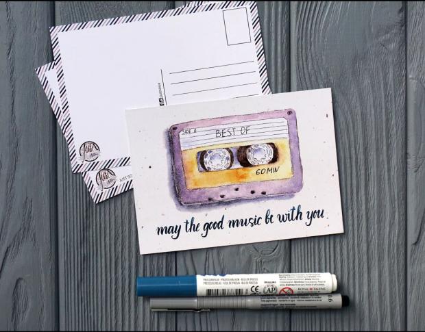 Листівка - це невеличкий клаптик картону, який може принести стільки радості. Адже приємно отримати листівку від рідної людини, яка, наприклад, знаход