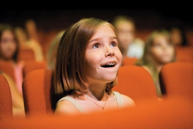 Кінотеатри відкрилися і діти з батьками почали планувати перші перегляди. Повідомляє сайт Наша мама.