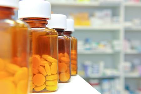 Медики застерігають, що частий прийом знеболювальних препаратів небезпечний для здоров'я.Виявилось, що зловживання знеболюючим частіше призводить до л