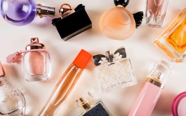 Ви відчуваєте його на собіПерша ознака того, що обраний парфум — не ваш, якщо ви навіть через 15-20 хвилин після нанесення продовжуєте його на собі ві