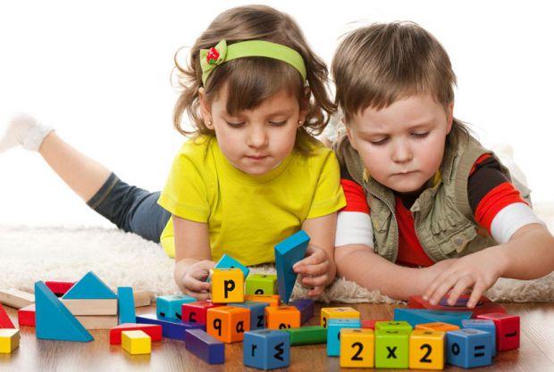 Если вы молодые родители - тема покупки игрушек уж точно возникнет, как правильно выбрать игрушки для своего ребёнка и не прогадать мы постараемся рас