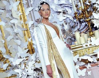 На Тижні високої моди в Парижі відбувся показ суконь від Alexis Mabille. Французький кутюр'є представив найкращі сукні.